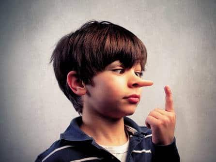 Como lidar com uma criança que mente,o que fazer?