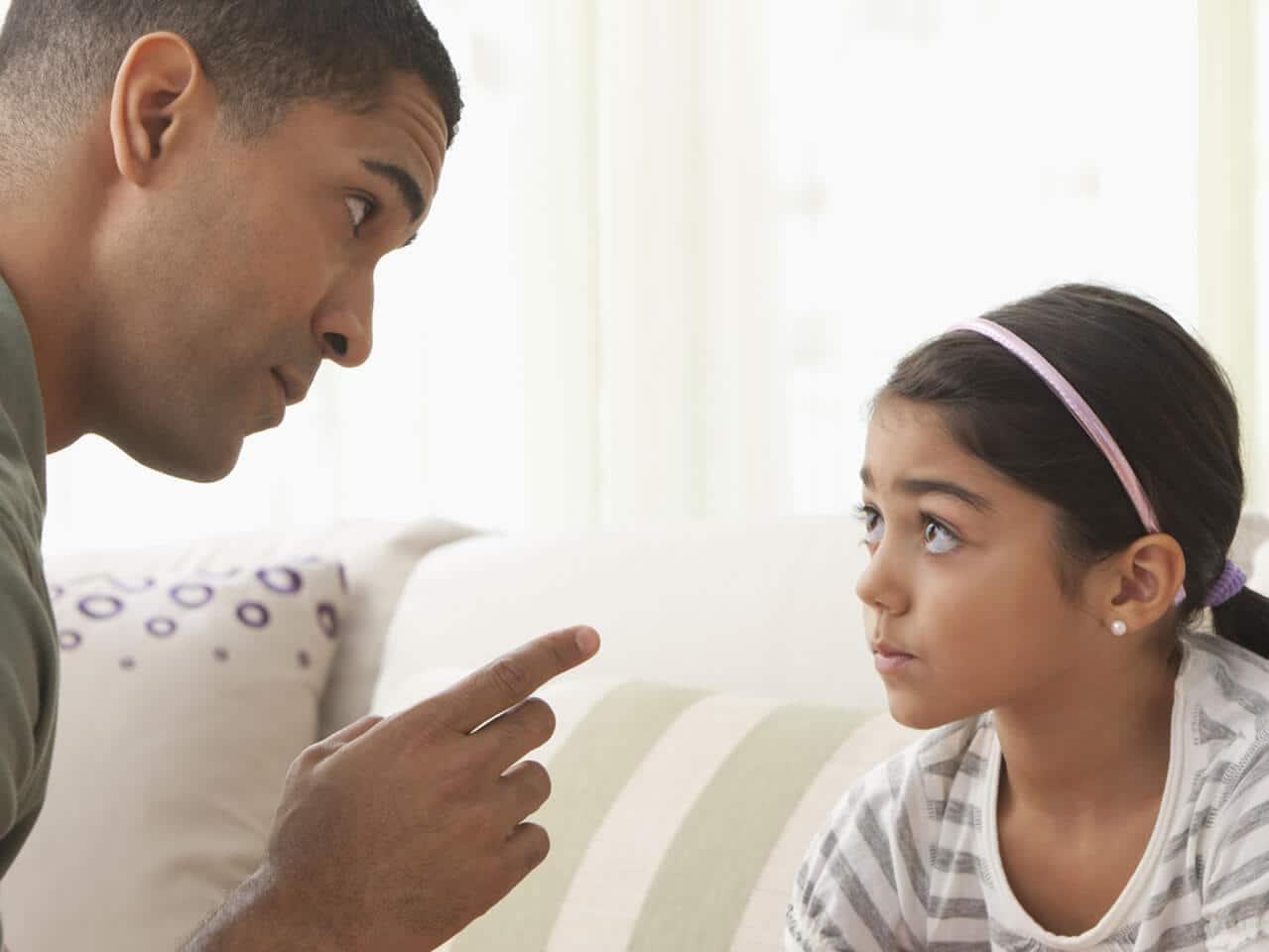 Cinco dicas de como lidar com crianças desobedientes e agressivas.