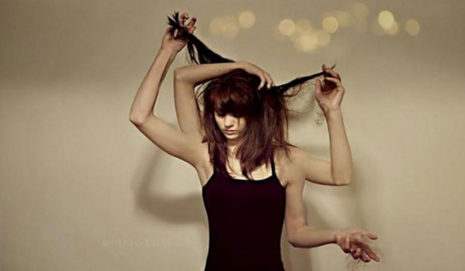 Não-consigo-parar-de-arrancar-os-meus-cabelos-E-agora-Conheça-a-Tricotilomania-casule