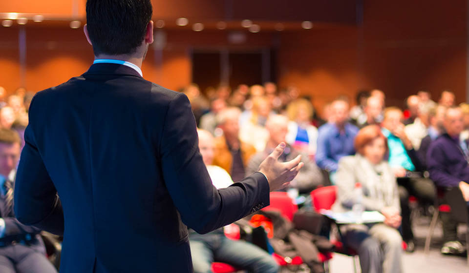 3 Tipos de Palestras Que Você NÃO Deve Aplicar na Sua Empresa -casule