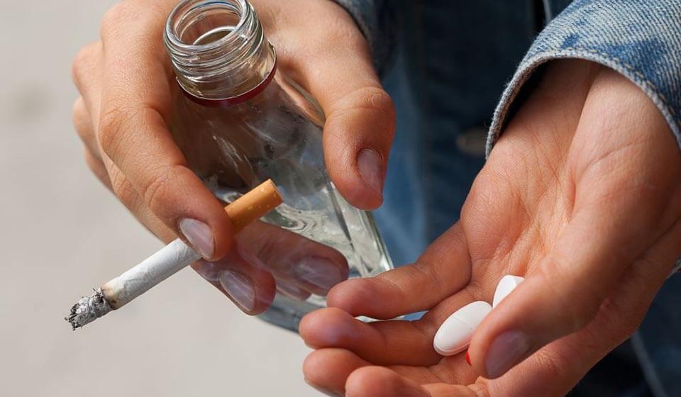 Entendendo os processos cognitivos no abuso de substâncias - casule