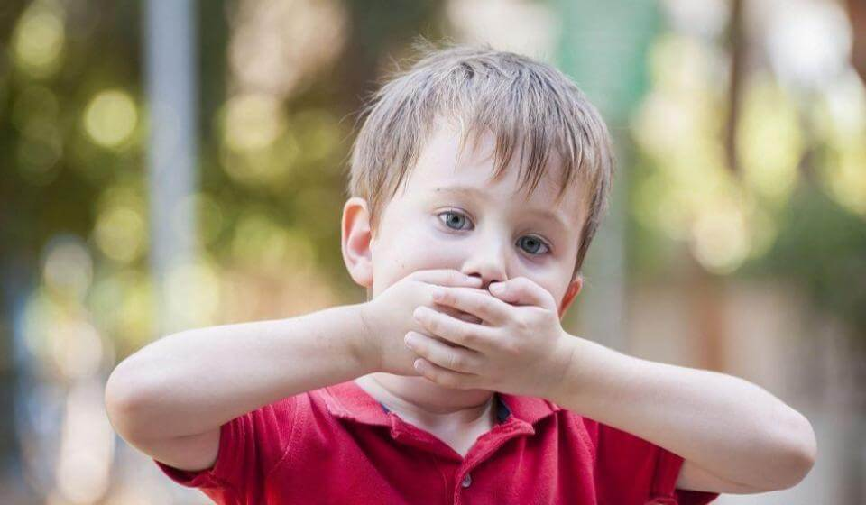 Gagueira na infância - fonoaudiologia casule