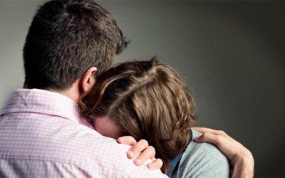 De que maneira posso ajudar alguém que está sofrendo?
