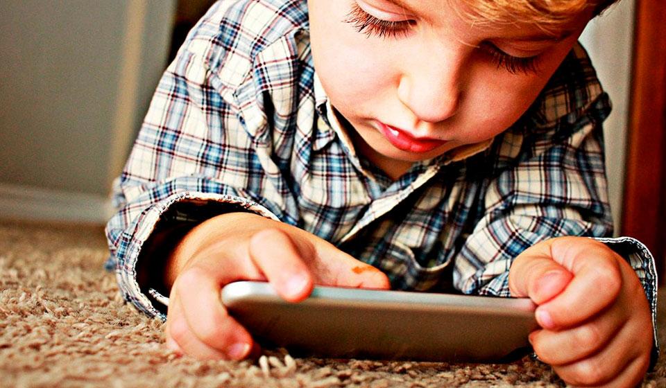Dependência-da-tecnologia-na-infância---Blog-Casule---psicóloga-Milena