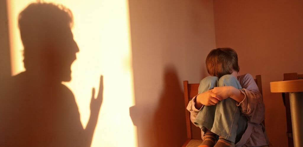 É possível haver relacionamentos abusivos entre pais e filhos