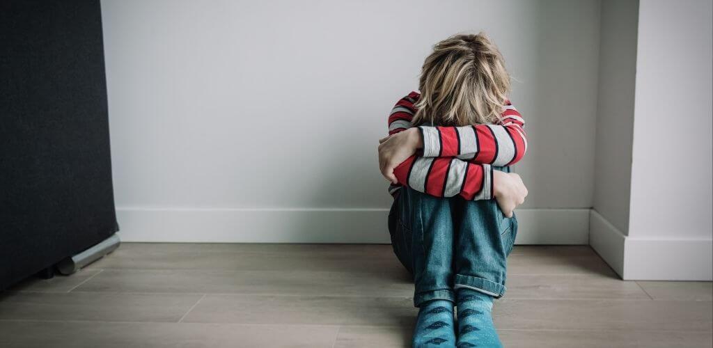 Como a violência afeta a saúde mental da criança e do adolescente